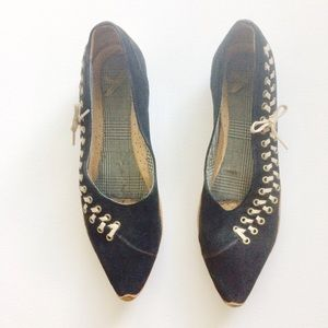 Quartz Flats Black Suede Tan Leather Trim Size 9